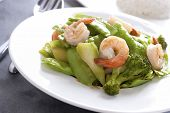 image of snow peas  - Stir fried snow peas and broccoli with shrimp - JPG
