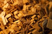 picture of alder-tree  - Wood chips for smoking or recycle - JPG