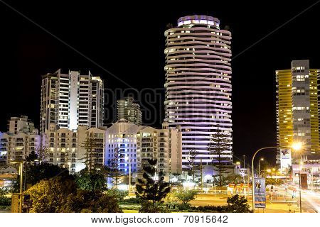 Broadbeach cityscape skyline at night