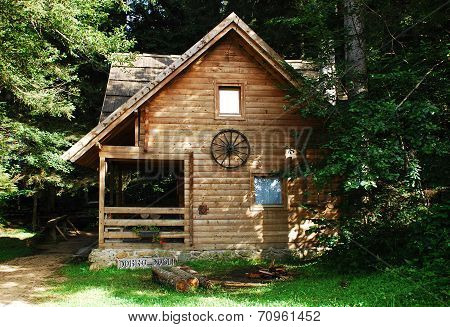 Bosnian Forest Hut