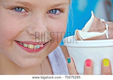 girl with orthodontic smile