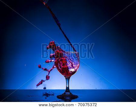 splash glass red wine
