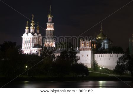 Novodevichy convent in Moscow at night