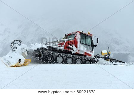 Snowcat, Machine For Snow Removal