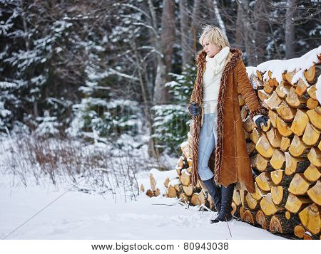 Fashionable Woman And Winter Clothes - Rural Scene