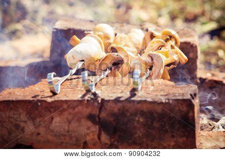 Grilled mushrooms Champignon kebab barbecue vegetarian healthy organic food