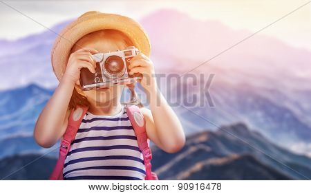 the little girl wants to travel