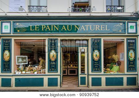 Le Pain Au Naturel Bakery in Paris, France