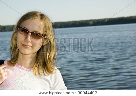 Pretty Girl On The Lake Background