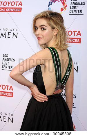 LOS ANGELES - MAY 16:  Kiernan Shipka at the