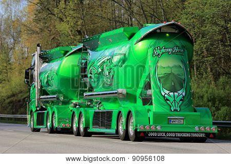 Show Truck Highway Hero Of Kuljetus Auvinen On The Road