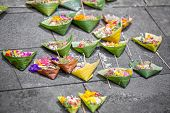 picture of god  - Offerings to gods in Bali with flowers - JPG