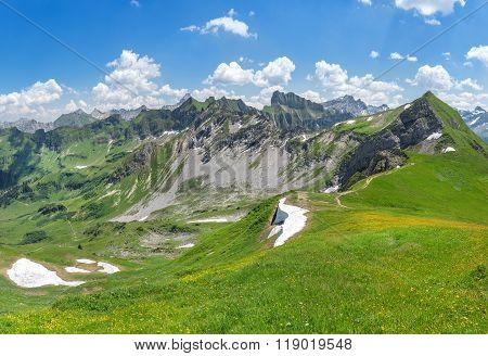 Beginning of summer in the Allgau Alps