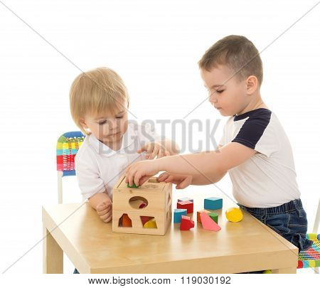 Brothers playing in the puzzle