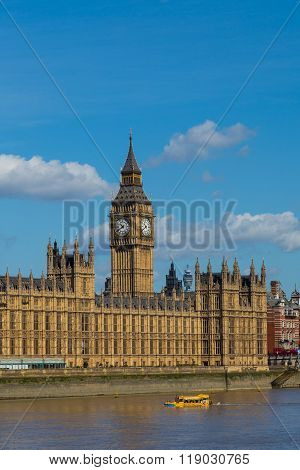 Palace Of Westminster In The Summer