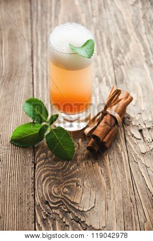 Drink In With Mint Cinnamon And Sugar
