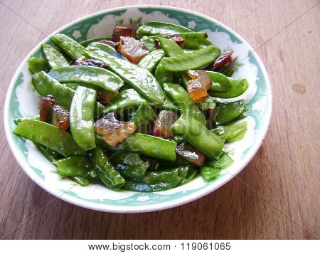 Snow peas stir fried ham