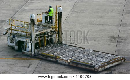 Baggage Lifting Truck