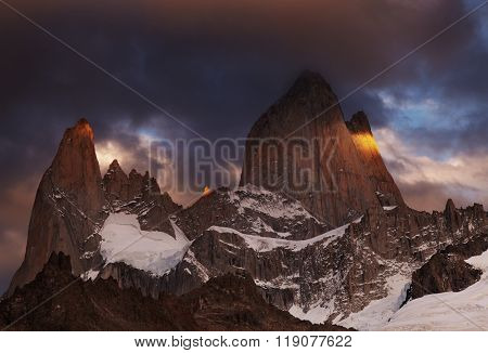 Mount Fitz Roy at sunrise, Patagonia, Argentina