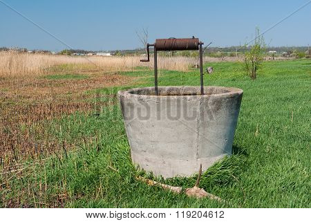 Abandoned draw-well near Sura river in central Ukraine