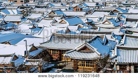 Roof Of Jeonju Traditional Korean Village Covered With Snow, Jeonju Hanok Village In Winter, South K