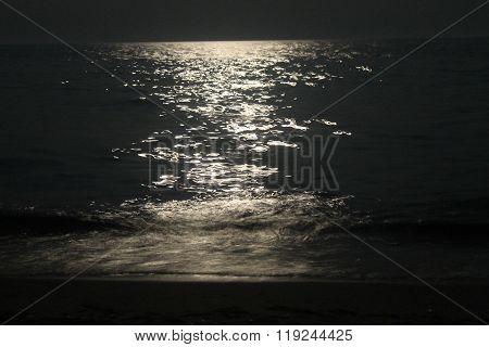 Lunar path on sea