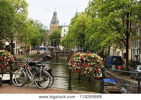 Amsterdam, Netherlands - Aug 18, 2015: Street Of An Old Town Of Amsterdam.