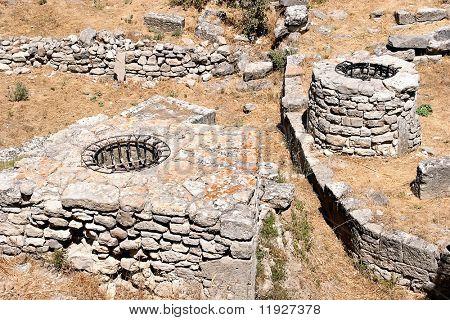 Ruínas na antiga cidade de Tróia na Turquia