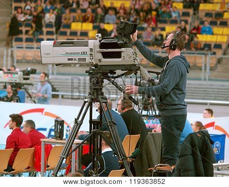 Cameraman sports.