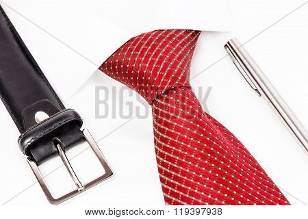 tie knotted double Windsor with pan