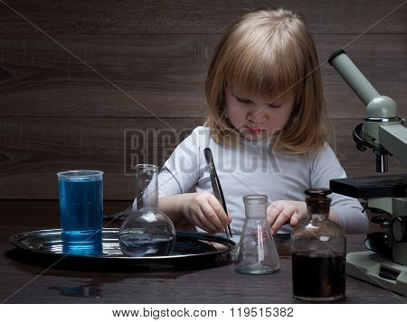 Chemical vessels. Home Laboratory.