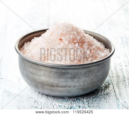 Himalayan Salt In Meatalic Bowl