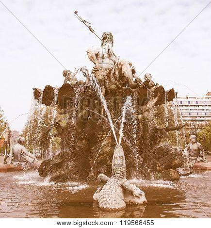 Neptunbrunnen Vintage