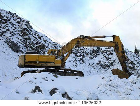 Shovel Excavator Working In Winter