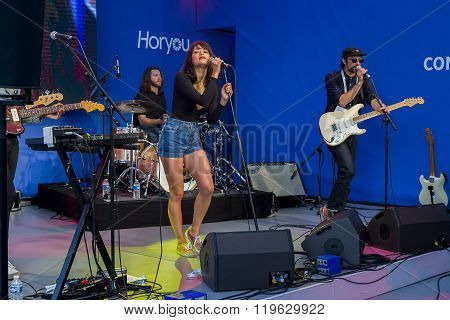 Concert 'pendentif' Band In Cannes