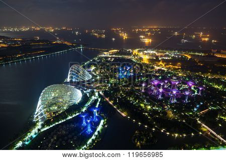 SINGAPORE, FEBRUARY 20 2016 : Singapore financial district skyline , Singapore on 20 February 2016