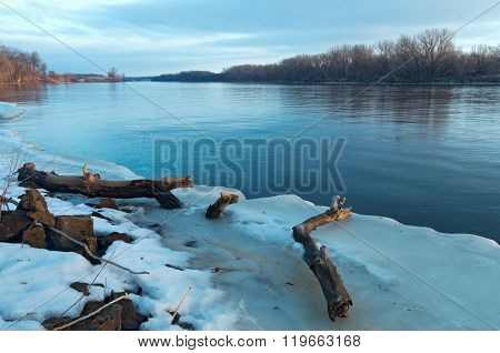 Mississippi River Thaw In South St Paul