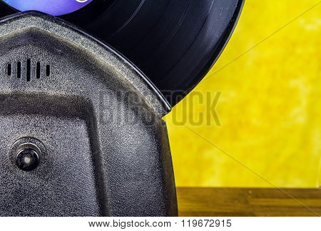 Electric record cleaner