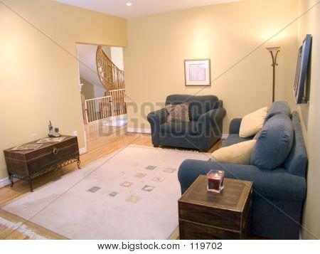 Family Room 06