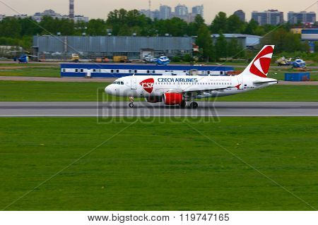 Czech Airlines Airbus A319-112 Aircraft In Pulkovo International Airport In Saint-petersburg, Russia