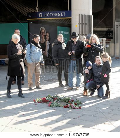 Father And Children Showing Respect To The Murdered Prime Minister Olof Palme