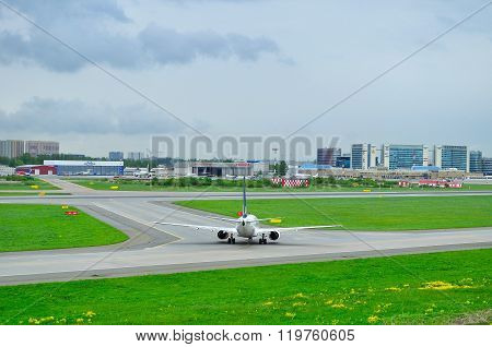 Sas Scandinavian Airlines Boeing 737-683 Airplane In Pulkovo International Airport
