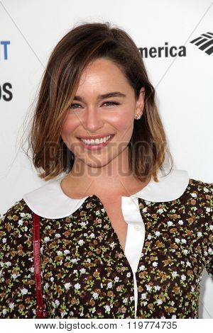 LOS ANGELES - FEB 27:  Emilia Clarke at the 2016 Film Independent Spirit Awards at the Santa Monica Beach on February 27, 2016 in Santa Monica, CA