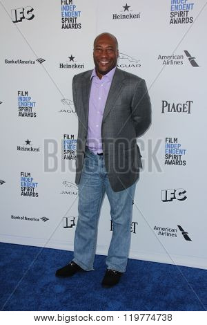 LOS ANGELES - FEB 27:  Byron Allen at the 2016 Film Independent Spirit Awards at the Santa Monica Beach on February 27, 2016 in Santa Monica, CA