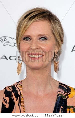 LOS ANGELES - FEB 27:  Cynthia Nixon at the 2016 Film Independent Spirit Awards at the Santa Monica Beach on February 27, 2016 in Santa Monica, CA