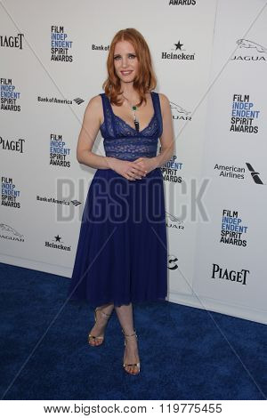 LOS ANGELES - FEB 27:  Jessica Chastain at the 2016 Film Independent Spirit Awards at the Santa Monica Beach on February 27, 2016 in Santa Monica, CA
