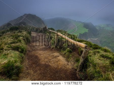 Pathway to the Sete Cidades viewpoint