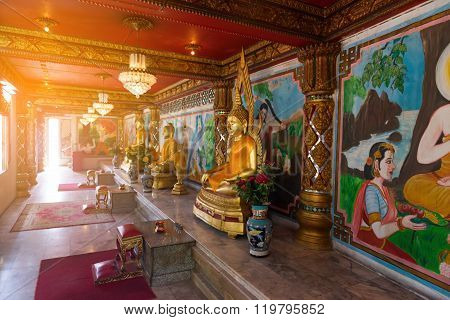 Gold Buddha Statues Inside Chinese Temple