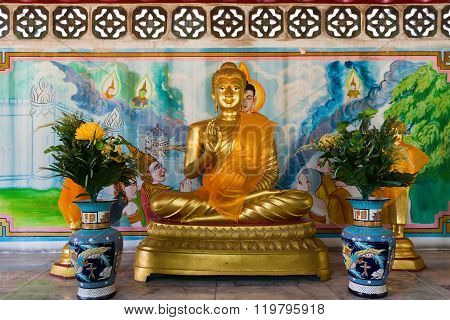 Seated Buddha Statue In Gold At Li Thi Miew Shrine
