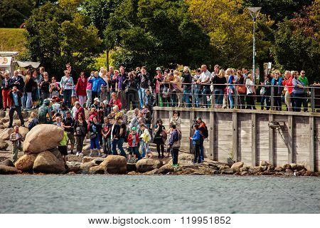 Tourists Take Pictures Of The Little Mermaid